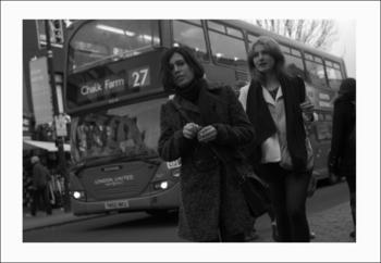 バスと2人.jpg